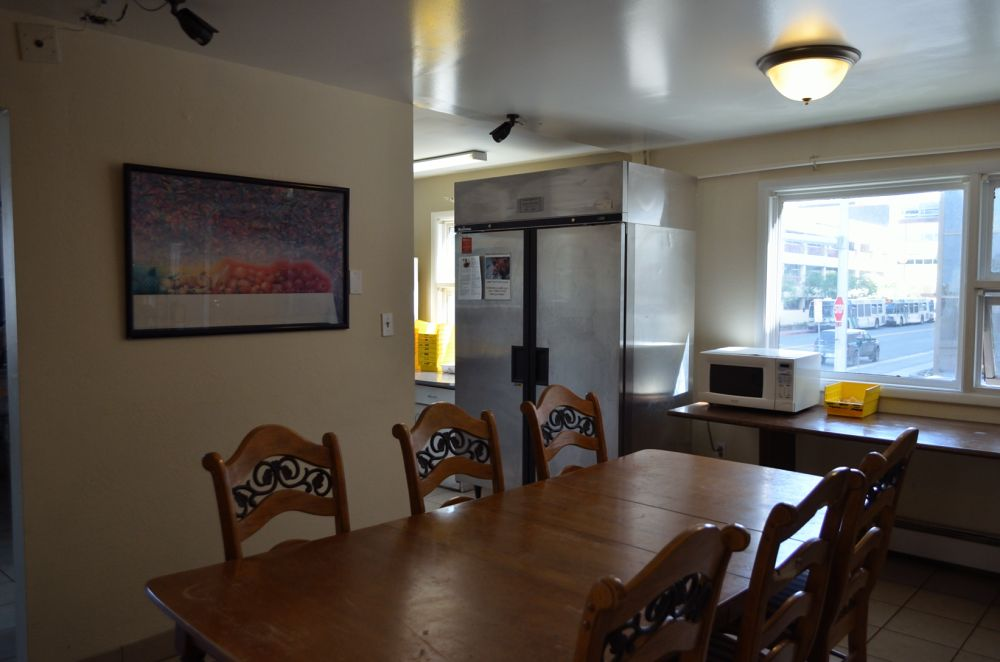Bent Prop Inn & Hostels - downtown Anchorage Alaska -  common area dining
