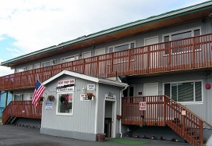 bent_prop_inn_alaska_hostel_sm